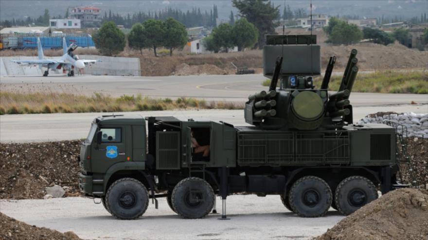 Sistema de defensa aérea Pantsir en la base aérea rusa de Hmeimim.