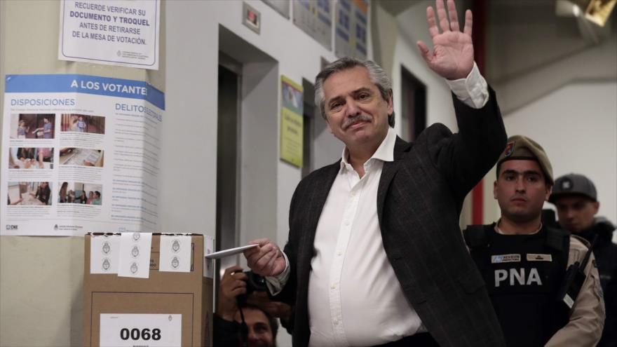 Opositor Fernández se impone a Macri en primarias de Argentina