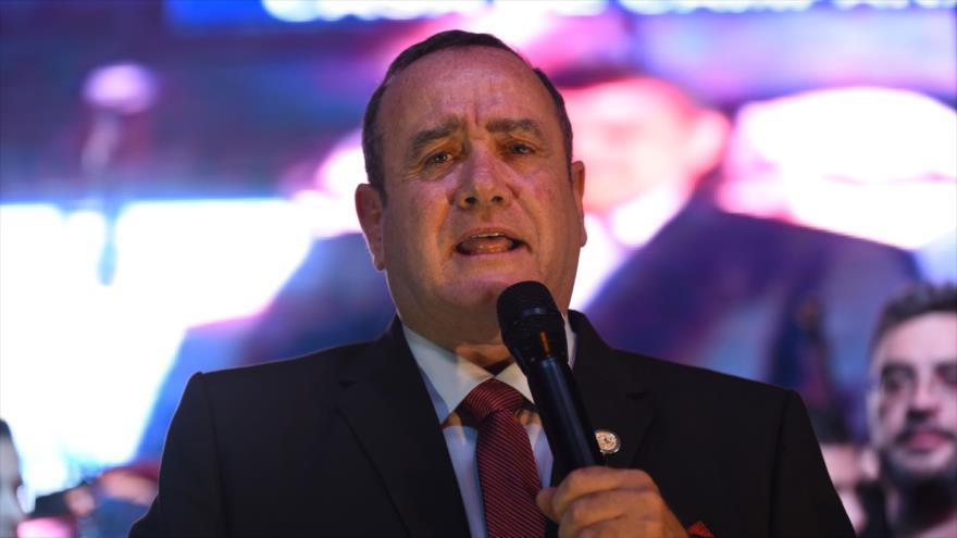 Giammattei dice que modificará el acuerdo migratorio con EEUU