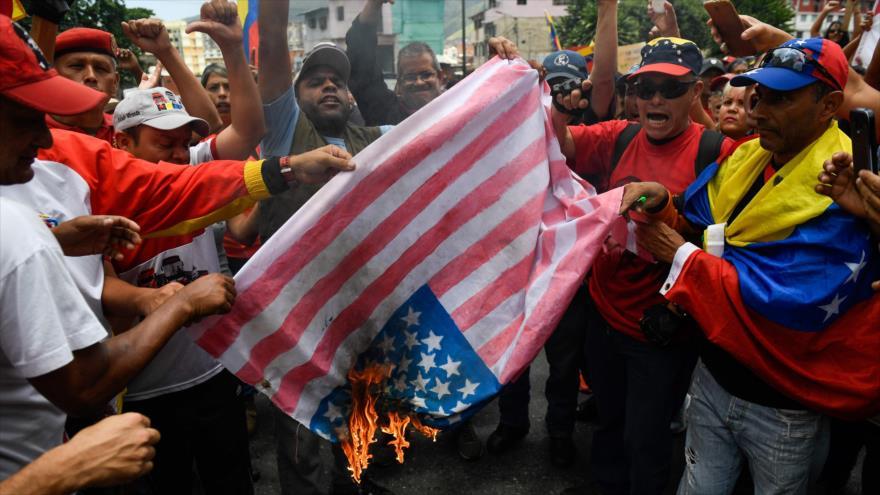 Explican cómo Maduro ha evitado una tercera guerra con EEUU | HISPANTV