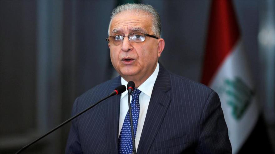 El canciller iraquí, Muhamad Ali al-Hakim, habla en una conferencia de prensa en Bagdad, 13 de enero de 2019.