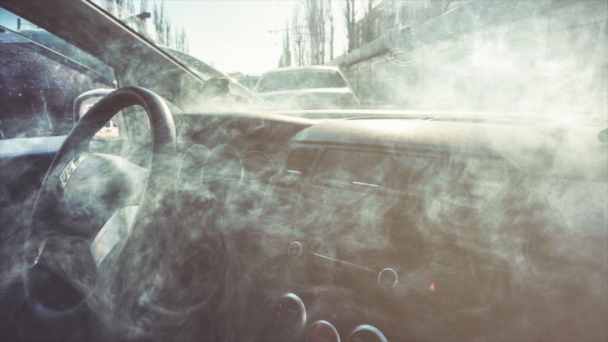 El humo del cigarrillo genera cáncer y hace más agresivos a los tumores.