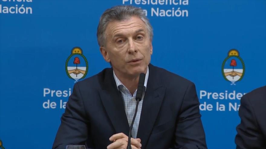 Macri inculpa al kirchnerismo por subida del dólar en Argentina
