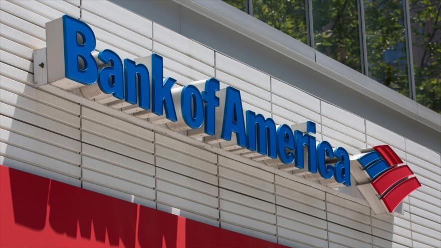 El logotipo del Banco de América se ve afuera de una sucursal en Washington, 9 de julio de 2019. (Foto: AFP)