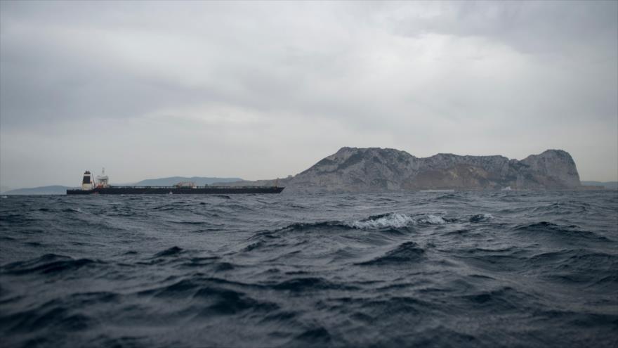 El petrolero Grace 1, retenido por el Reino Unido, frente a las costas de Gibraltar, 6 de julio de 2019. (Foto: AFP)