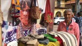 Víctimas de conflicto colombiano acuden a feria de emprendimiento