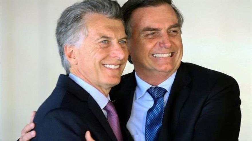 El presidente de Argentina, Mauricio Macri, y su par brasileño, Jair Bolsonaro (drecha), en la 54ª Cumbre de Jefes de Estado del Mercosur, 12 de julio de 2019.