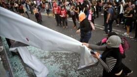 Miles de mujeres protestan contra el abuso de policías en México