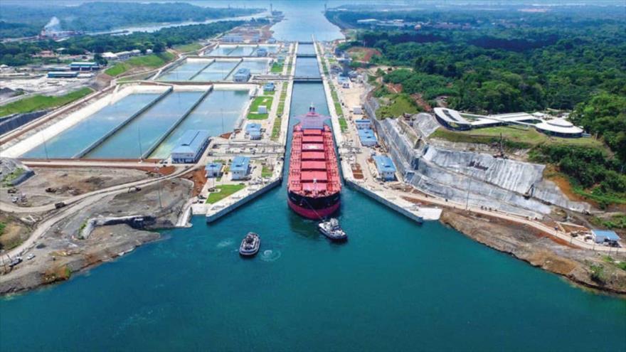 Canal de Panamá permite paso de buques venezolanos pese a presión de EEUU