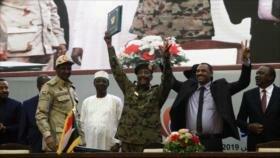 Junta militar y oposición en Sudán firman acuerdo de transición