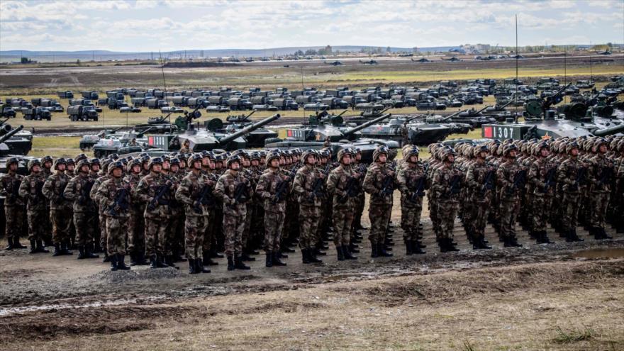 Tropas chinas durante una maniobra militar cerca de Mongolia, 13 de septiembre de 2018. (Foto: AFP)