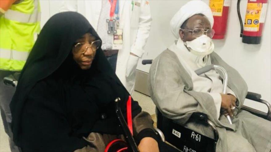 El líder musulmán nigeriano el sheij Ibrahim al-Zakzaky y su esposa en un hospital en La India.