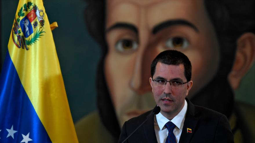 El canciller de Venezuela, Jorge Arreaza, ofrece un discurso en Caracas (la capital), 6 de agosto de 2019. (Foto: AFP)