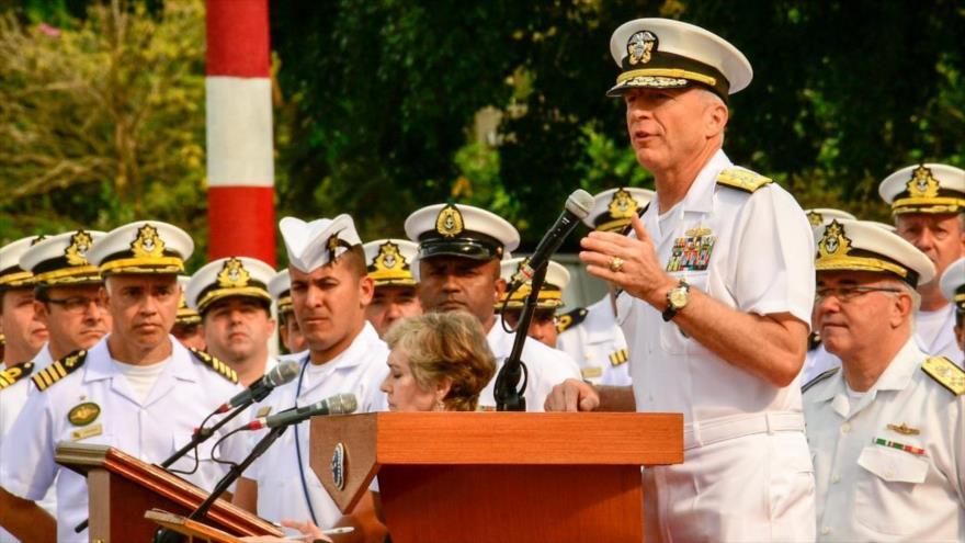 El jefe del Comando Sur de EE.UU., el almirante Craig Faller, habla durante un acto desde Río de Janeiro, 18 de agosto de 2019.