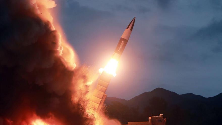 Corea del Norte lanza un misil en un lugar desconocido, 10 de agosto de 2019. (Foto: AFP)