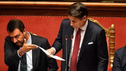 El premier italiano anuncia su dimisión por crisis en Gobierno