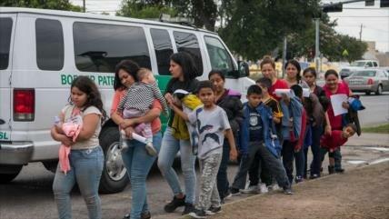 """Trump planea autorizar detención """"indefinida"""" de niños migrantes"""