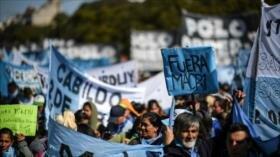 Miles de argentinos protestan contra ajuste económico de Macri