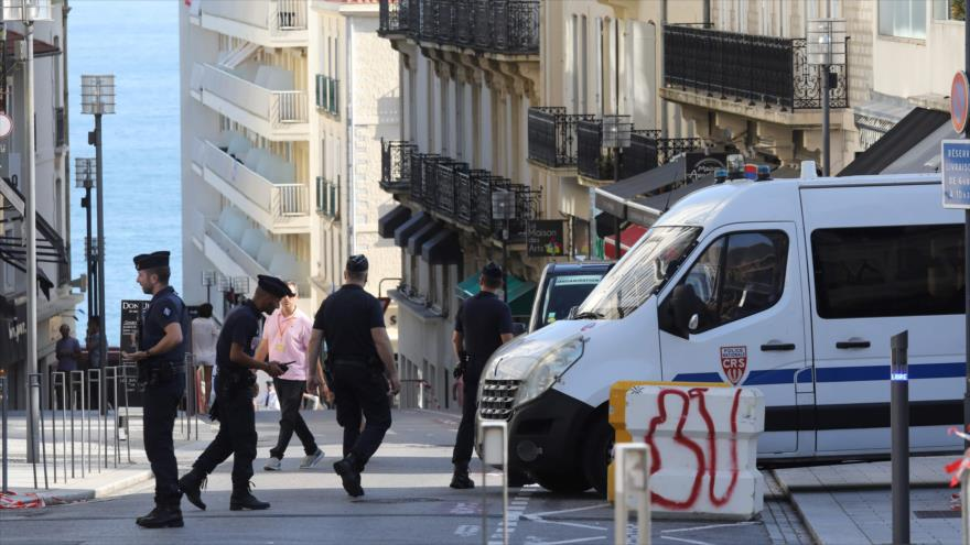 Vídeo: 17 detenidos en protestas reprimidas contra G7 en Francia