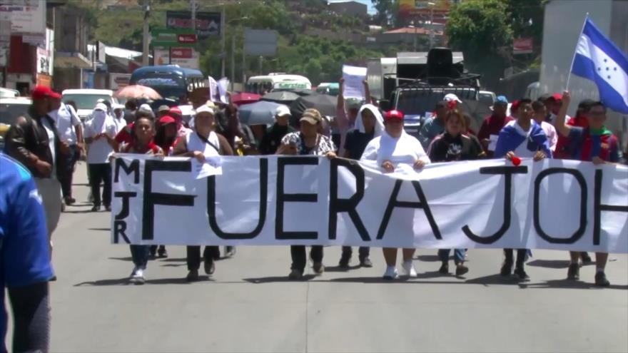 Plataforma Ampliada marcha contra el presidente hondureño