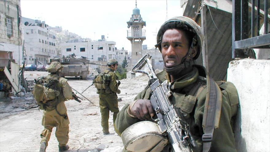¿Qué mata a los solitarios soldados en el ejército israelí?