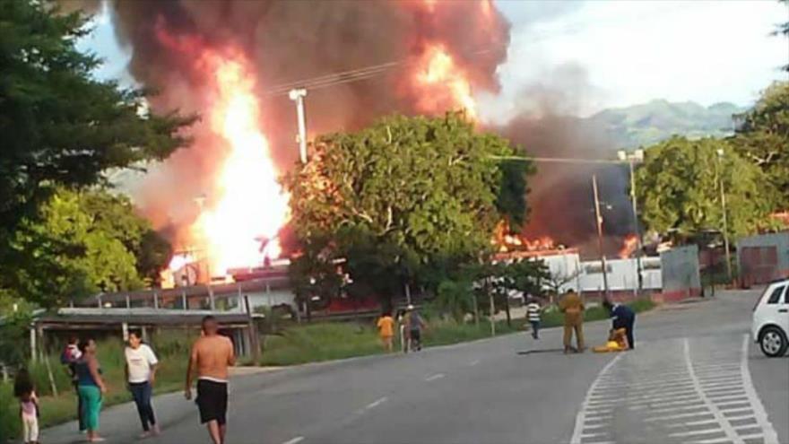 """Caracas tilda de """"sabotaje terrorista"""" explosión en planta de gas"""