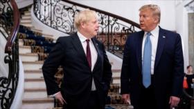 Trump ignora críticas y promete a Johnson un acuerdo tras Brexit