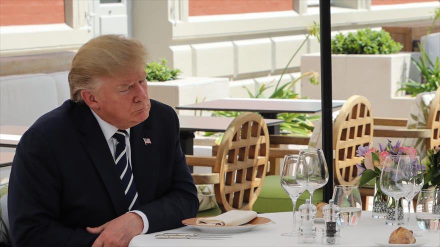 El presidente de EE.UU., Donald Trump, se sienta a almorzar en Biarritz, Francia, 24 de agosto de 2019. (Foto: AFP)