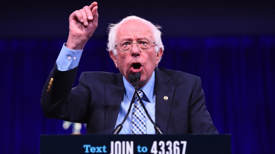 El precandidato demócrata a las presidenciales de 2020 de EE.UU. Bernie Sanders ofrece un discurso en California, 23 de agosto de 2019. (Foto: AFP)