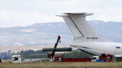 Turquía recibe segundo lote de S-400 ruso pese a amenazas de EEUU