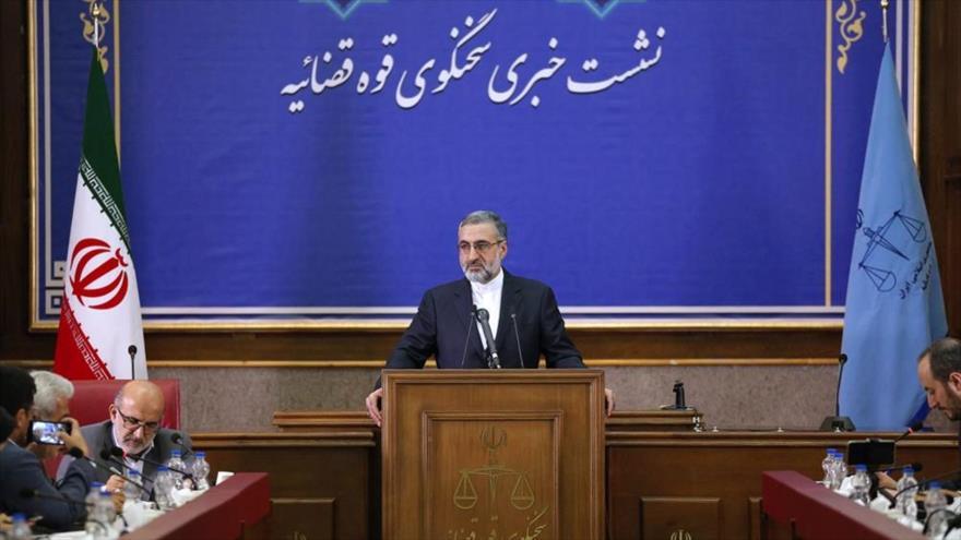 El portavoz del Poder Judicial de Irán, Qolam Hosein Esmaili, en una rueda de prensa celebrada en Teherán (capital), 27 de agosto de 2019. (Foto: Mizan)