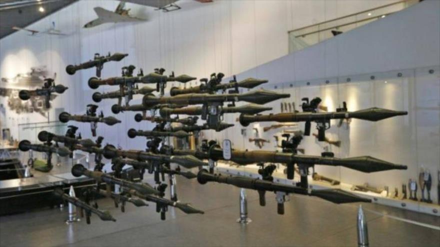 Las armas iraníes exhibidas en el Museo de la Defensa Sagrada en Teherán, capital de Irán, 17 de julio de 2018.