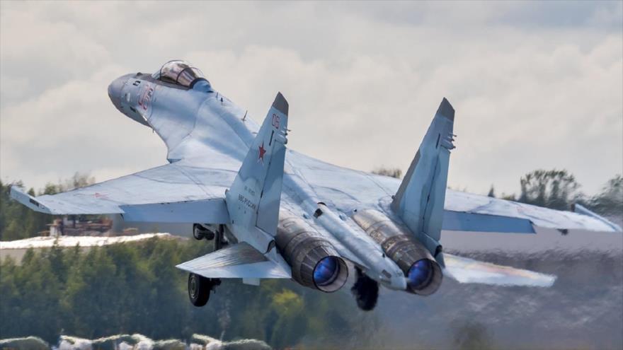 Un avión Su-35 de fabricación ruso.