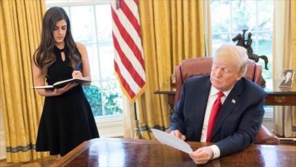 Asistente personal de Trump renuncia tras supuestas filtraciones