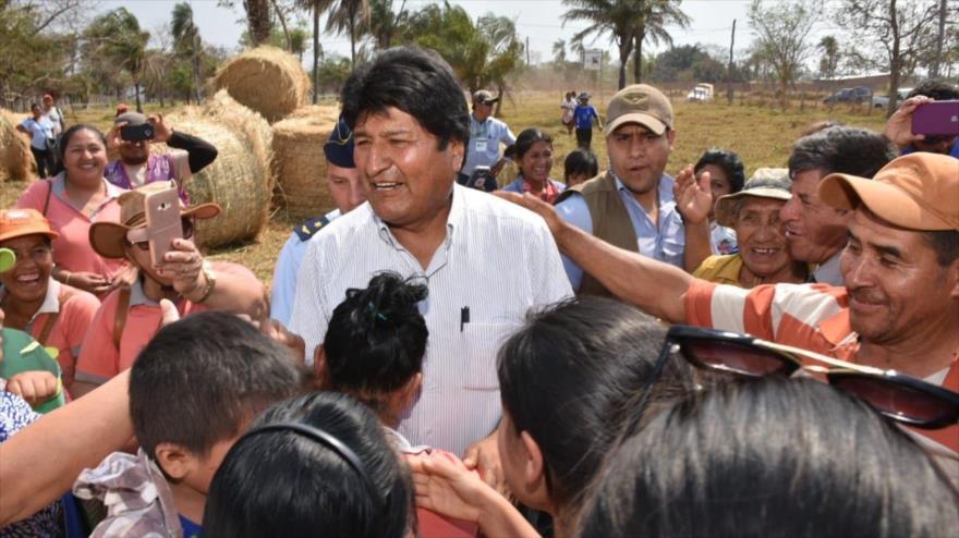 El presidente boliviano, Evo Morales, se reúne con los representantes del movimiento campesino, 30 de agosto de 2019.