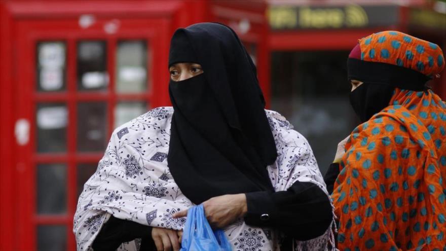 Dos mujeres musulmanas en Londres, capital del Reino Unido.