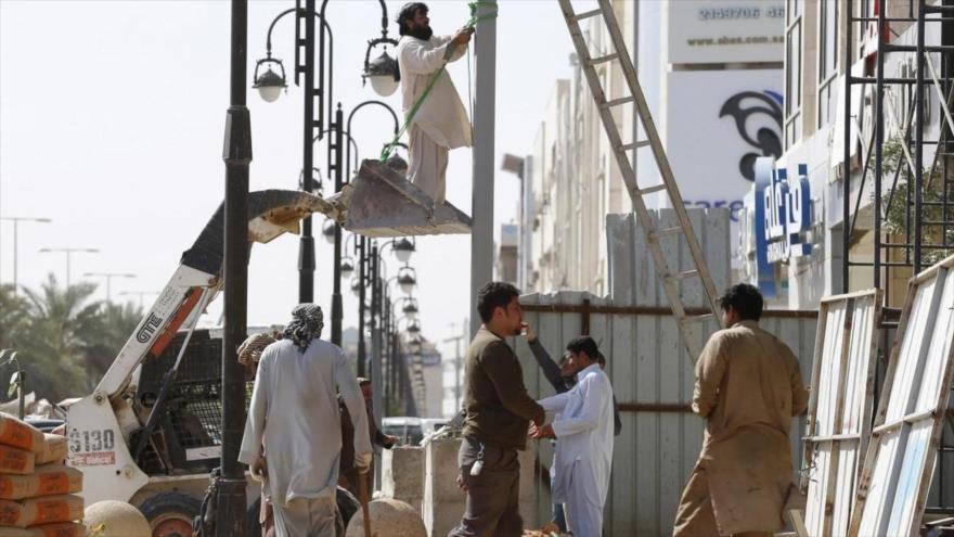 Trabajadores extranjeros en la ciudad de Riad, capital de Arabia Saudí, 9 de febrero de 2016. (Foto: Reuters).