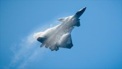 Vídeo: China reta a EEUU con la mayor formación de sus cazas J-20