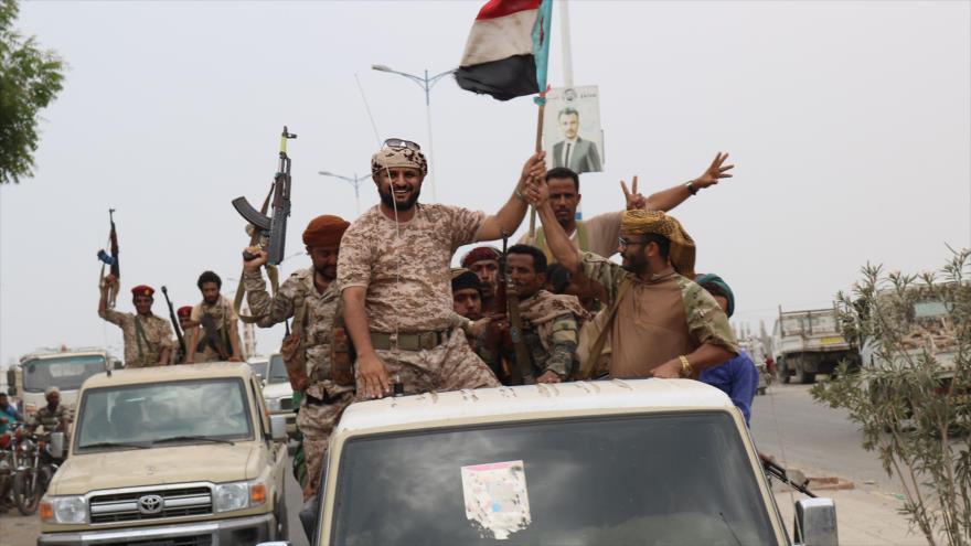 Los separatistas apoyados por los EAU, desplegados en la ciudad de Adén, en el sur de Yemen, 2 de septiembre de 2019. (Foto: AFP)