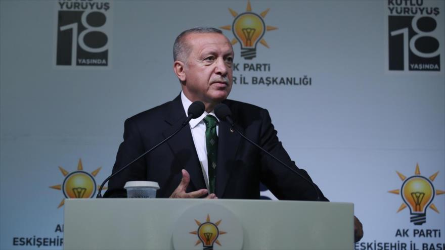 El presidente de Turquía, Recep Tayyip Erdogan, en una reunión del Partido de Justicia y Desarrollo, Eskisehir, 7 de septiembre de 2019.