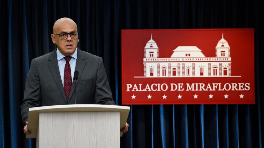 Venezuela tacha de fantasías denuncias de vínculos con guerrillas