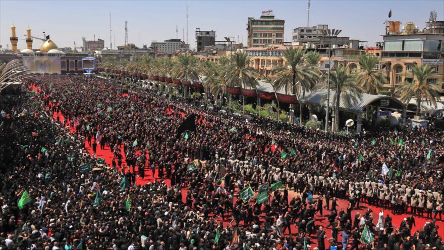 Musulmanes chiíes iraquíes participan en una congregación para rememorar el Día de Ashura, en Karbala, 10 de septiembre de 2019. (Foto: AFP)