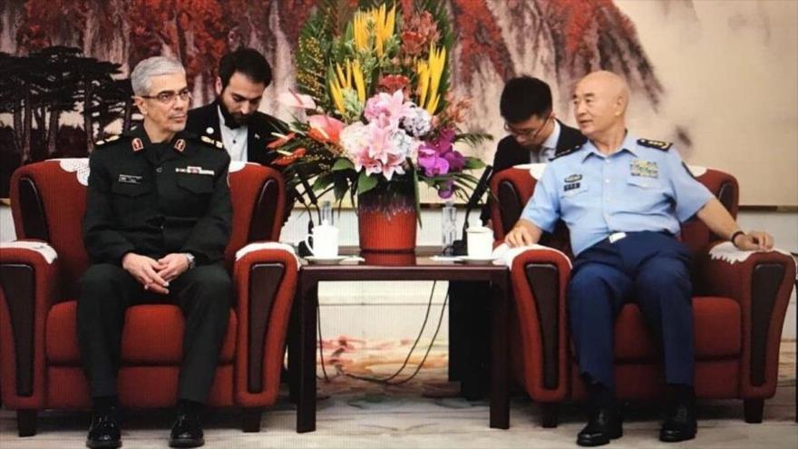 El jefe del Estado Mayor de las Fuerzas Armadas de Irán y el jefe adjunto de la Comisión Militar Central china, Xu Qiliang, 11 de septiembre de 2019.