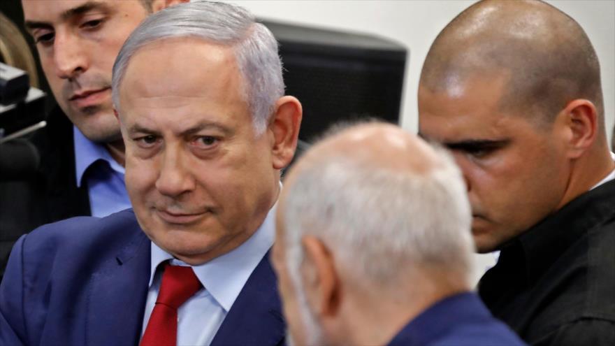 El premier israelí, Benjamín Netanyahu (izq.), se reúne con varias autoridades de Israel en Ramat Gan, cerca de Tel Aviv, 10 de septiembre de 2019. (Foto: AFP)