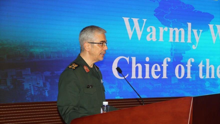 'Irán no tolerará presencia militar foránea en el Golfo Pérsico'