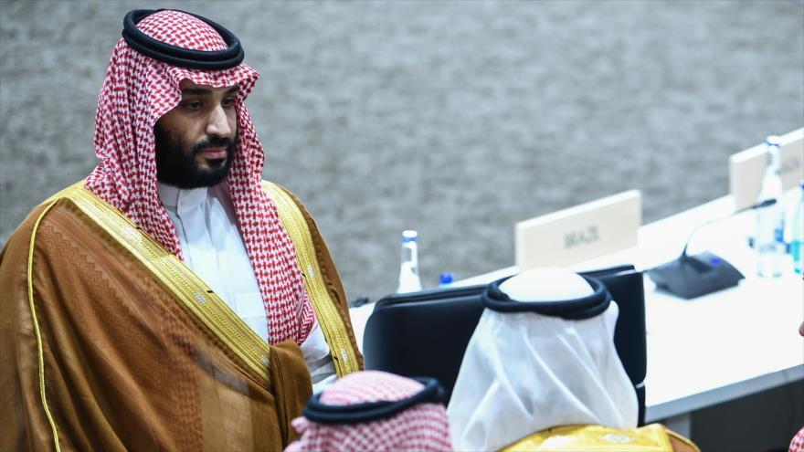 El príncipe heredero saudí, Muhamad bin Salman, asiste a una sesión durante la Cumbre del G20 en Osaka de Japón, 29 de junio de 2019. (Foto: AFP)