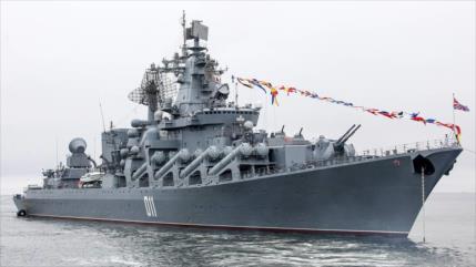 Crucero lanzamisilesruso destruye buque enemigo a 500 km