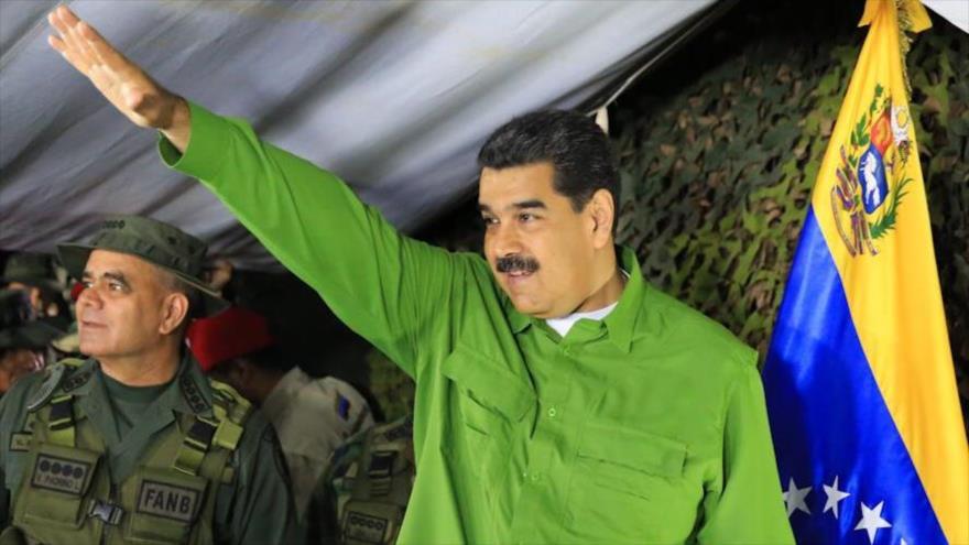 El presidente de Venezuela, Nicolás Maduro, supervisa los ejercicios militares en la frontera con Colombia, 13 de septiembre de 2019.