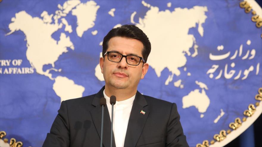 El portavoz de la Cancillería iraní, Seyed Abás Musavi, ofrece una rueda de prensa en Teherán, la capital del país.