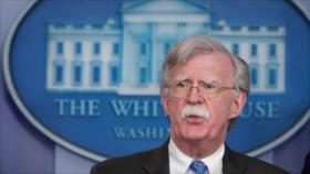 'Bolton se opuso a aliviar sanciones a Irán a un día de su salida'